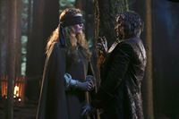 Rumpelstilzchen ( Robert Carlyle) und Zelena (Rebecca Mader) – © 2014 American Broadcasting Companies, Inc. All rights reserved.