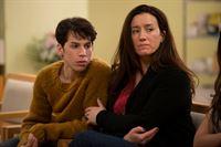 Felix (Jordan Gavaris) and Mrs. S (Maria Doyle Kennedy) – © ZDF und Christos Kalohoridis