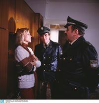 Von links: Irma Haubel (Doris Arden), Helmut Heinl (Elmar Wepper) und Franz Schöninger (Walter Sedlmayr). – © BR/Neue Münchner Fernsehproduktion