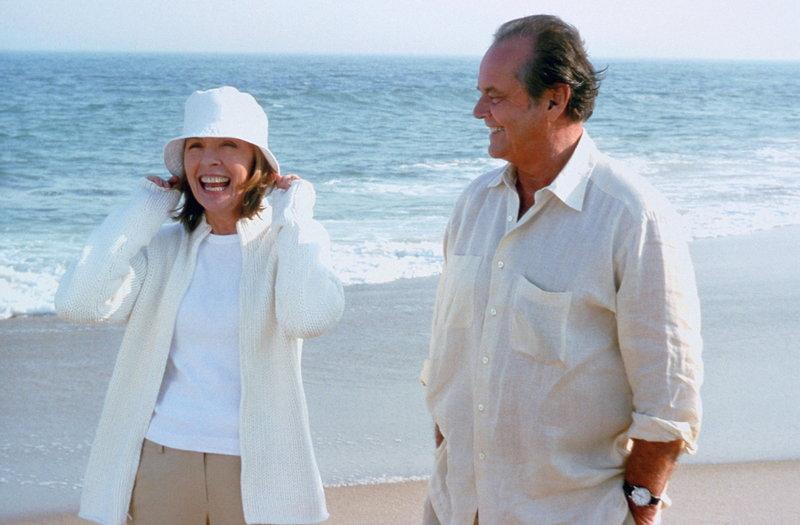 Nach und nach merken Harry (Jack Nicholson, r.) und Erica (Diane Keaton, l.), dass sie sich zueinander hingezogen fühlen. Doch wird alles gut gehen? – Bild: Puls 4