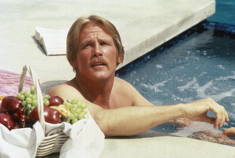 Vom Obdachlosen zum verwöhnten Hausfreund eines Beverly Hills-Millionärs - Jerry Baskins (Nick Nolte) Leben hat sich in nur wenigen Tagen total gewandelt ... – Bild: Puls 4