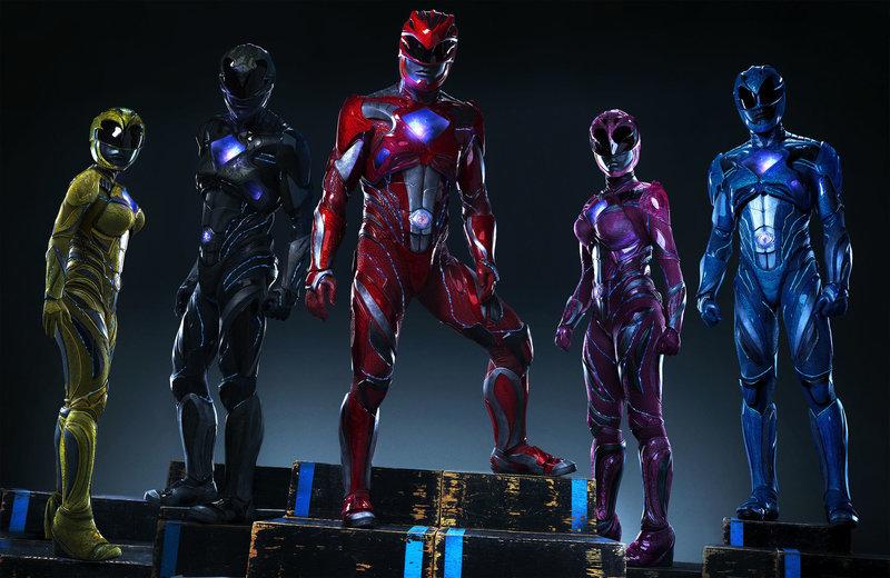 (v.l.n.r.) Yellow Ranger (Becky G), Black Ranger (Ludi Lin), Red Ranger (Dacre Montgomery), Pink Ranger (Naomi Scott), Blue Ranger (RJ Cyler) – Bild: Puls 4