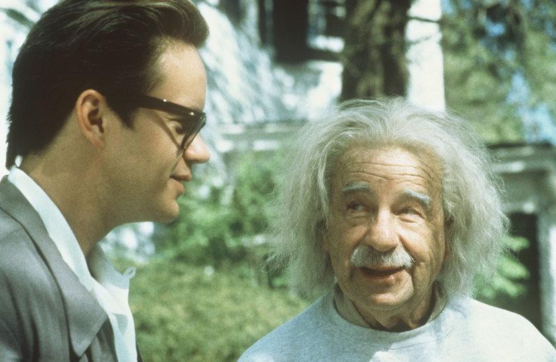 Der nette Automechaniker Ed (Tim Robbins, l.) findet ausgerechnet in dem Jahrhundert-Genie Albert Einstein (Walter Matthau, r.) einen Fürsprecher ... – Bild: ProSieben Media AG © Paramount Pictures