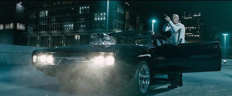 Dom (Vin Diesel) macht vor nichts Halt, wenn es darum geht, das Leben seiner Freunde zu retten ... – Bild: Puls 4