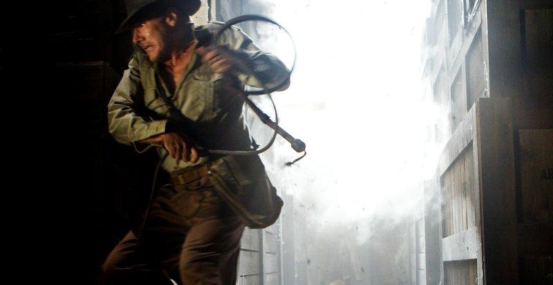 Gerät von einer brenzligen Situation in die nächste: Indiana Jones (Harrison Ford) ... – Bild: Puls 4