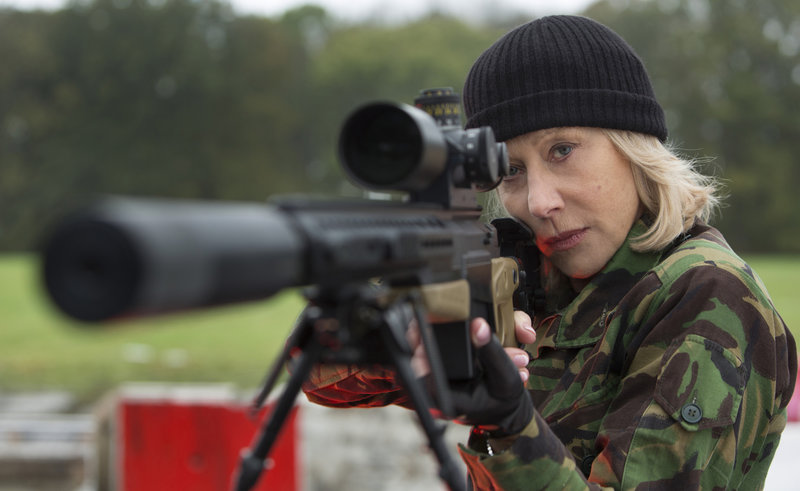 Die Auftragskillerin Victoria (Helen Mirren) macht sich zusammen mit den beiden ehemaligen CIA-Agenten Frank und Marvin auf die Suche nach der Wahrheit über eine Nuklearwaffe ... – Bild: Puls 4