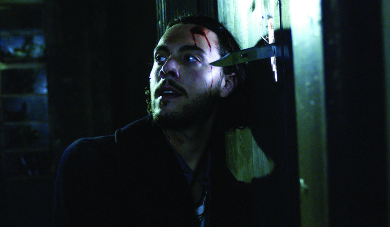 Nach dem Konsum von speziellen Pilzen erleben Jake (Jack Huston) und seine Freunde einen höllischen Horrortrip, der ihr Bewusstsein ganz anders erweitert als erwartet ... – Bild: Puls 8