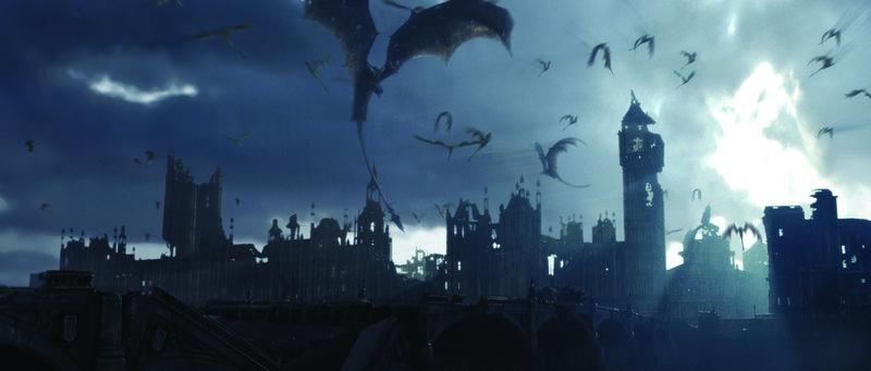 Entfesselte Drachen legen London in Schutt und Asche ... – Bild: Puls 8