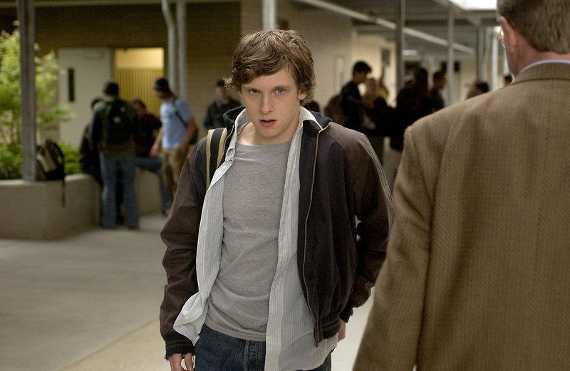 Dean (Jamie Bell) ist ein einfacher Teenager in einer scheinbar beschaulichen Gemeinde in den USA. Doch der Junge ist sich im Gegensatz zu den Erwachsenen durchaus bewusst, dass der Schein trügt ... – Bild: ProSieben Media AG © Go Fish Pictures