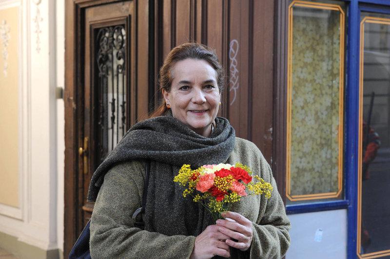 Durch Wally verändert sich ihr Leben: Georgs Haushaltshilfe Else (Patricia Hirschbichler) ... – Bild: ProSieben Media AG SAT.1