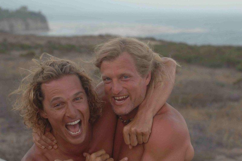 """Jack Mayweather (Woody Harrelson, r.) ist nicht nur der Manager von Surfer Steve Addington (Matthew McConaughey, l.), sondern auch ein guter Freund ... – Bild: ProSieben Media AG """" quelltext="""