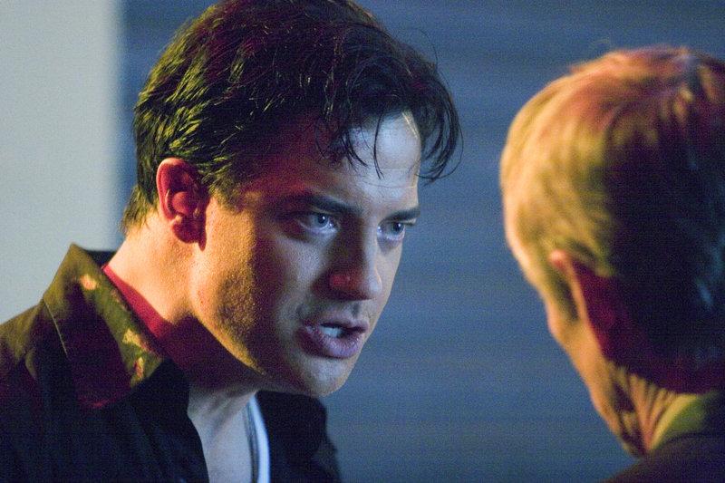 Geraten in einen mörderischen Konflikt: Rosso (Scott Glenn, r.) und sein Sohn Paul (Brendan Fraser, l.) ... – Bild: Puls 8