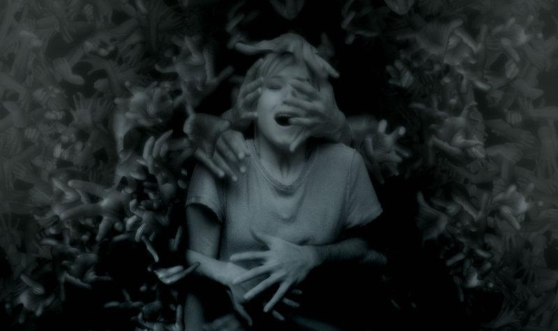 PULSE - DU BIST TOT, BEVOR DU STIRBST - Artwork - mit Kristen Bell – Bild: Puls 8
