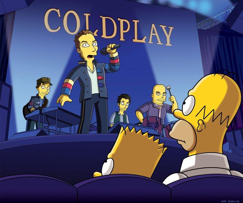 Homer (vorne r.) hat in Lotto gewonnen und genießt daraufhin mit Bart (vorne l.) ein Spezialkonzert von Coldplay ... – Bild: ProSieben