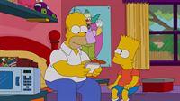 Gemeinsam reisen Homer (l.), Marge, Lisa, Maggie und Bart (r.) nach New York, um Barts Ex-Freundin Mary Spuckler ausfindig machen. Doch werden sie dabei erfolgreich sein? – Bild: 2012-2013 Fox and its related entities. All rights reserved Lizenzbild frei