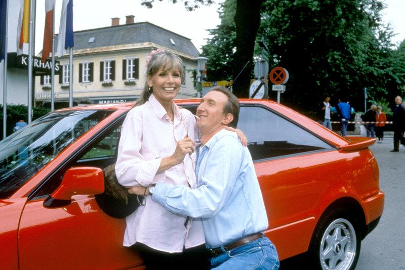 Christine Schuberth (Ulla Wagner), Mike Krüger (Bob Sager). – Bild: ORF