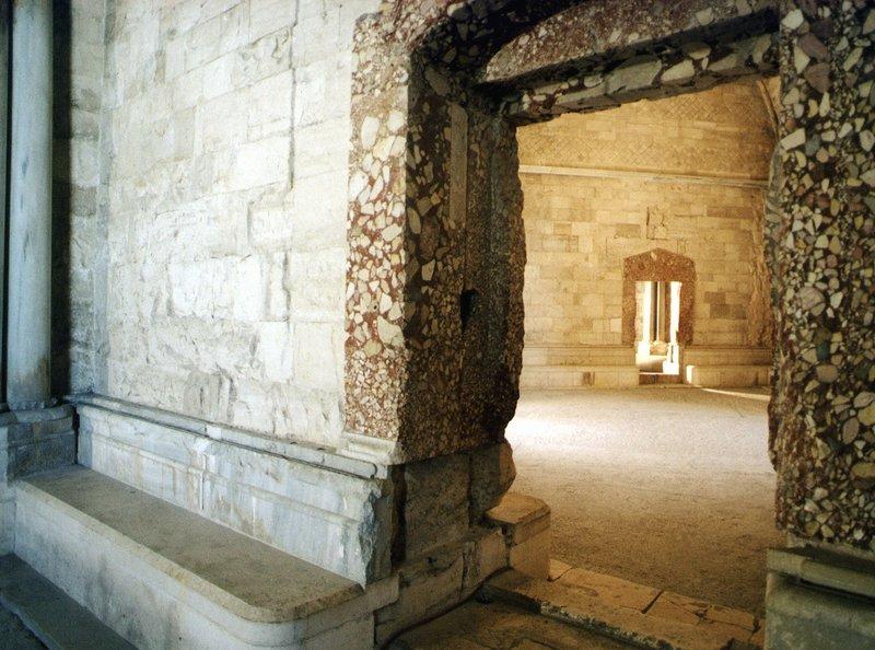 Das Castel del Monte, 1. Stock, Innenaufnahme. – Bild: SWR/SWR/H.-J. Krönke