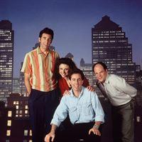 3. Staffel (v.l.): Kramer (Michael Richards), Elaine (Julia Louis-Dreyfus), Jerry (Jerry Seinfeld) und George (Jason Alexander) – © RTL Nitro