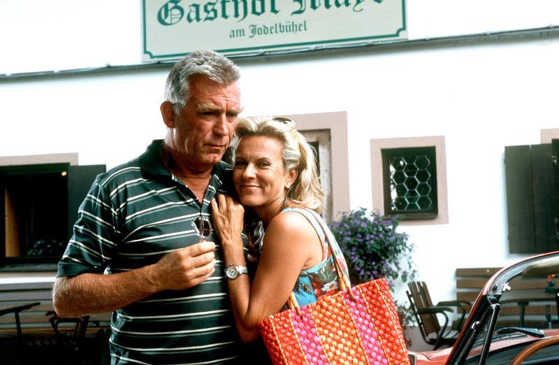 Heinz Marecek (Hannes Kofler), Andrea L'Arronge (Gräfin Schönberg). – Bild: ZDF