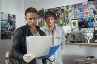 v.l.n.r.: Jan Maybach (Marco Girnth), Tom Kowalski (Steffen Schroeder) – © ZDF und Uwe Frauendorf