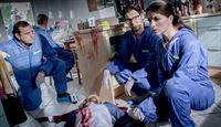 v.l.n.r.: Theo Renner (Michel Guillaume), Dominik Morgenstern (Joscha Kiefer), Dr. Weissenböck (Florian Odendahl), Katharina Hahn (Bianca Hein) – © ZDF und Robert Späth