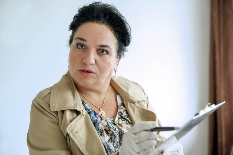 Maria Happel (Dr. Franziska Beck). – Bild: ORF