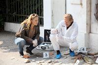 Lilian Klebow (Penny Lanz), Helmut Bohatsch (Franz Wohlfahrt). – © ORF eins