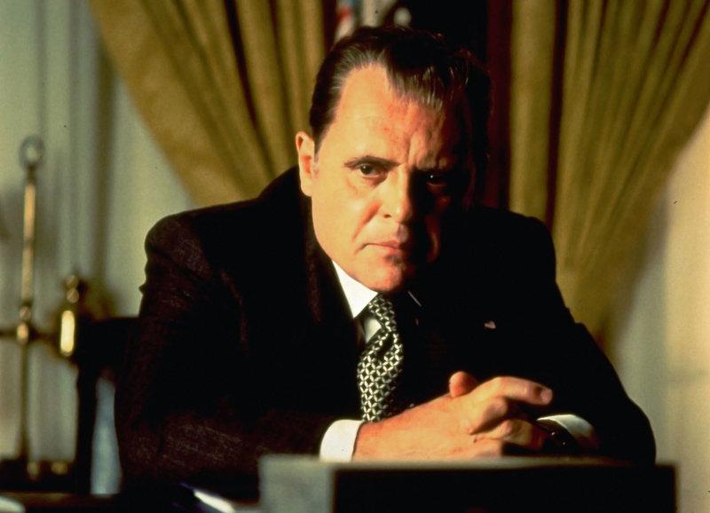 Angeschlagen: Anthony Hopkins als Präsident Richard Nixon – Bild: SRF/Cinergi Pictures Entertainment Inc./Cinergi Productions N.V. Inc.