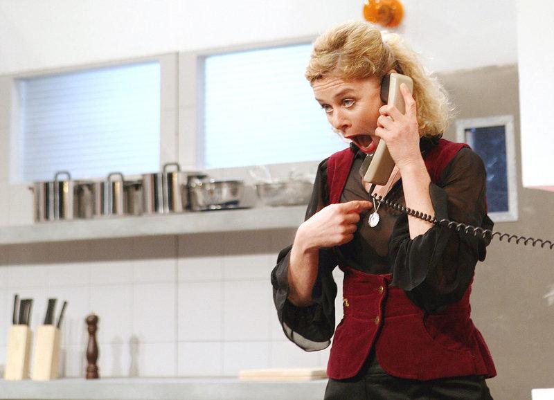 Schock ihres Lebens: Hanna Scheuring als Trix – Bild: SRF/Merly Knörle