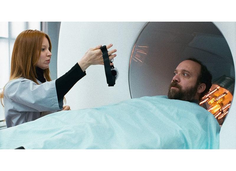 Dubiose Wissenschaft: Lauren Ambrose als Stephanie, Paul Giamatti als Paul Giamatti – Bild: SRF/Monopole Pathé Films