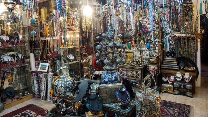 DOK Sonntag Basare der Welt - Jerusalem (3/3) Verlockende Ware aus aller Welt SRF/Global Screen – Bild: SRF1