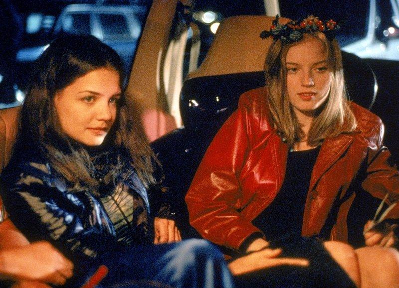 High: Katie Holmes als Claire, Sarah Polley als Ronna – Bild: SRF/Columbia Pictures Industries, Inc.