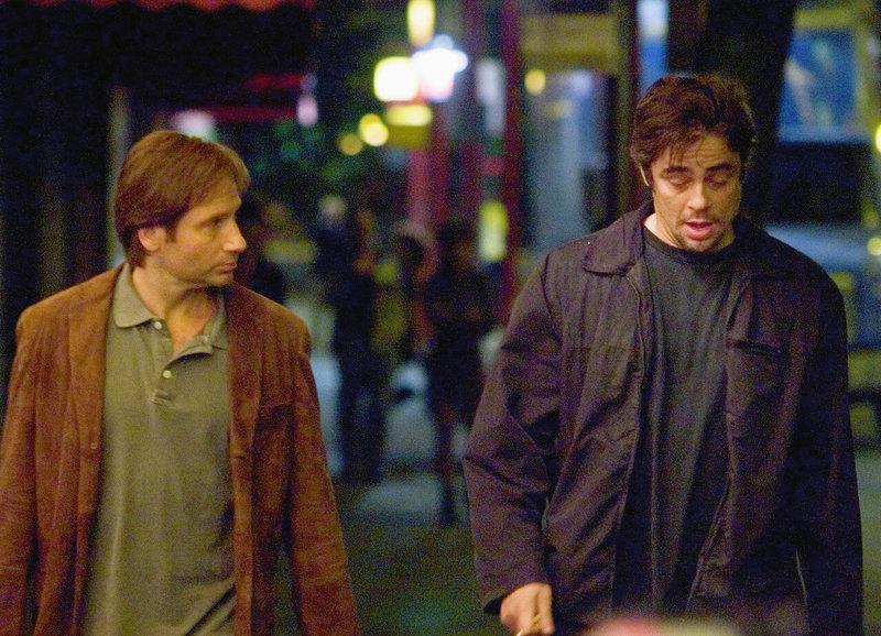 Beste Freunde: David Duchovny als Brian Burke, Benicio del Toro als Jerry Sunbburn – Bild: SRF/Paramount Pictures