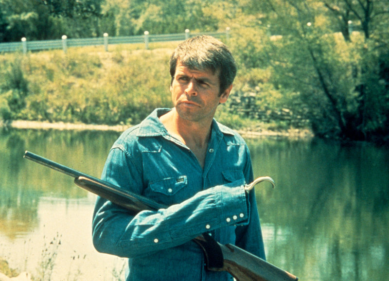 Auf Rachefeldzug: William Devane als Major Charles Rane – Bild: SRF/TMG