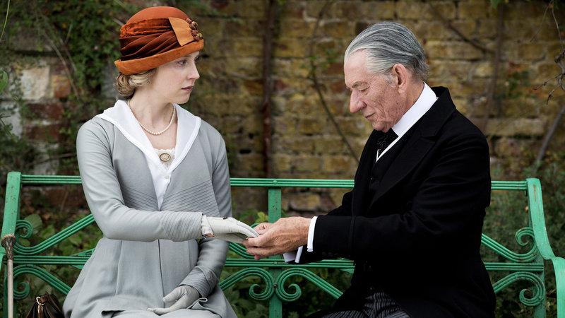 Mr. Holmes Hattie Morahan als Ann Kelmot, Ian McKellen als Sherlock Holmes SRF/AI Film Production Limited/British Broadcasting Corporation (2015) – Bild: SRF2
