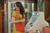 Überrascht stellt Max (Kat Dennings) fest, dass sie eine Million Dollar auf dem Konto hat ... – © Warner Bros. Television Lizenzbild frei