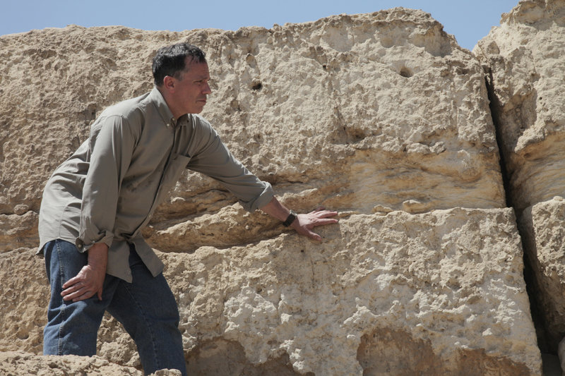 Dr. Peter Lacovara - am Sphinx-Tempel – Bild: ZDF
