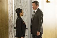 Agent Watson (Ali Ahn) und Peter Burke (Tim DeKay) – © RTL Crime