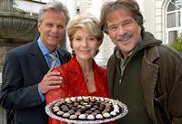 Rosa (Christiane Hörbiger), Matteo (Peter Sattmann) und Hannes (Götz George, re.). – Bild: SWR/Degeto/Uwe Ernst