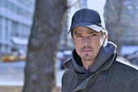Vincent Keller (Jay Ryan) macht eine Beobachtung, die ihn zutiefst eifersüchtig werden lässt. Wie wird er reagieren? – © 2012 The CW Network, LLC. All rights reserved.