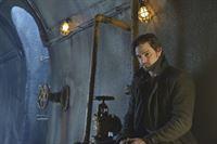 Das ewige Versteckspiel hat Vincent (Jay Ryan) satt, doch es führt kein Weg daran vorbei, wenn er überleben möchte ... – © 2013 The CW Network, LLC. All rights reserved.