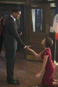 Wird die zufällige Begegnung von Heather (Nicole Gale Anderson, r.) und Darius (Christian Keyes, l.) am Valentinstag Folgen haben? – © 2013 The CW Network. All Rights Reserved.