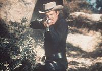 Der üble Gauner Vince Dagen (John Ericson) kennt kein Erbarmen ... – Bild: Paramount Pictures