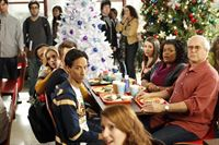community s03e10 weihnachten mit dem glee club regional holiday music. Black Bedroom Furniture Sets. Home Design Ideas