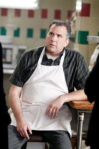 Der Neffe von Ray Tortucci (Daniel Roebuck) wurde erschossen. Kann der Pizzabäcker bei den Ermittlungen helfen? – © VOX