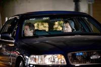 """""""CSI: Vegas"""", """"Willkommen im Inferno."""" Das CSI Team soll die Morde an drei Prostituierten aufklären, deren Leichen zwar an unterschiedlichen Orten gefunden wurde, aber alle offenbar von ein und demselben Täter getötet wurden. Schnell wird klar, dass es sich um einen Serienkiller handelt, der anscheinend durch Dante's Inferno inspiriert wurde. Russell geht davon aus, dass der Täter mindestens noch fünf weiter Morde plant. Es wird ein Plan ausgearbeitet, in der Morgen als Lockvogel fungiert. Keiner ahnt in welche Gefahr sie dich damit begibt.Im Bild (v.li.): Eric Szmanda (Greg Sanders), George Eads (Nick Stokes).   – © ORF eins"""
