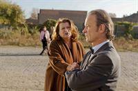 Nachdem Rolf Bode (Thomas Anzenhofer, r.) erfahren hat, welchen Job seine Frau Ulla (Traute Hoess, l.) ausübt - kann er nicht mehr an sich halten ... – Bild: SAT.1