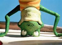 """""""Eiki Eiche"""", """"Moses hat Schluckauf."""" Oma Annie Frosch hat frische Limonade angesetzt. Die süße Versuchung ist aber erst in ein paar Tagen genießbar. Der kleine Moses Frosch kann es jedoch nicht erwarten und trinkt davon. Jetzt quält ihn ein hartnäckiger Schluckauf. Eiki Eichi und Annie Frosch versuchen ihn mit allen Tricks davon zu heilen. – Bild: ORF eins"""