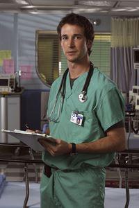 (9. Staffel) - John Carter (Noah Wyle) füllt die Lücke, die der verstorbene Dr. Greene hinterlassen hat. – © TM+© 2000 WARNER BROS.