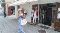 Carmen beim Shoppen in Ibiza-Stadt – © RTL II